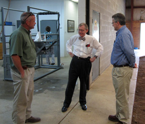 Dr. Steve Walker, President E. Gordon Gee, and Dr. Mike Dyer at Equine Medical Center in Chesapeake, OH.