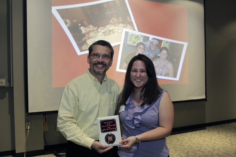 Dr. Hoet receives award